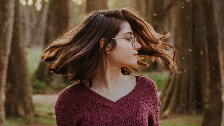 Gimana Sih Cara Mengatasi Rambut Rontoh Dan Ketombe? Yuk Pakai Cara Ini Saja